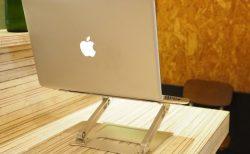 ノートPCには下のスペースが空いているスタンドが便利&安全!!