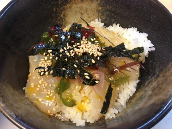 これは旨い! 愛媛県宇和島の「鯛めし」は鯛の刺身を載せた上品な卵かけごはん