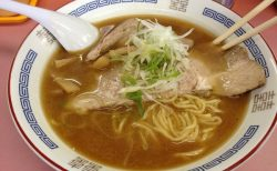 スープをひとくち飲んだら思わず唸る旨さ!元祖札幌ラーメン横丁「特一 富屋」