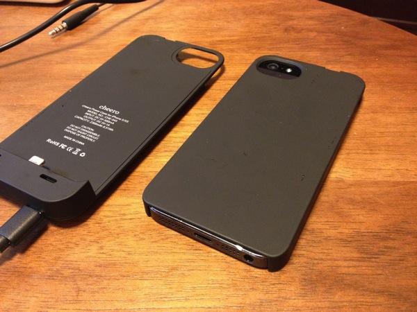 横着なあなたに朗報!簡単に着脱可能な一体型iPhoneバッテリー&ケース「cheero Power Case for iPhone 5/5S」