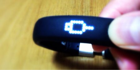 NIKE+FuelBand(Mサイズ)のバッテリーはだいたい何日もつか調べてみた