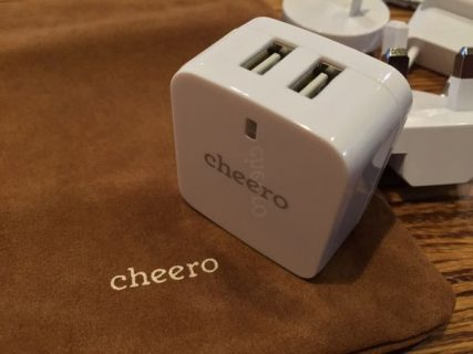 海外で困った!!モバイル製品の充電ができない!そんな時に備えて「cheero MIRACLE CHARGER 」いつも嬉しいポーチ付き!